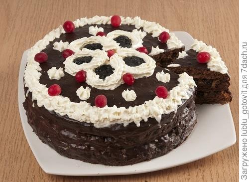 Торт с черносливом/Фото: А. Соколов/BurdaMedia