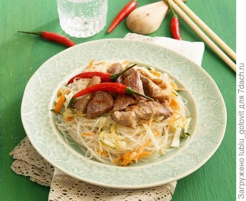 Пекинский салат со свининой/Фото: Мария Ковалева/BurdaMedia