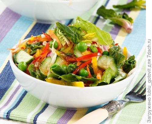 Салат витаминный с медовым соусом/Фото: Олег Кулагин/BurdaMedia