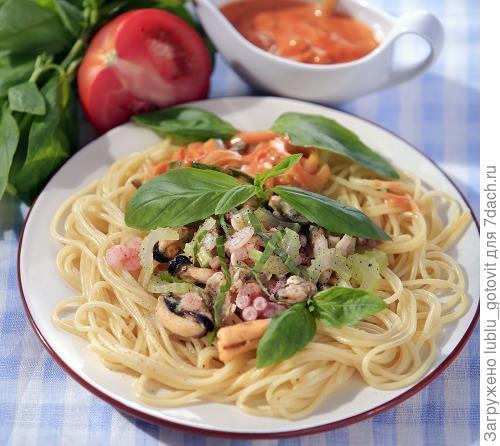 Спагетти с морепродуктами/Фото: Дмитрий Королько/BurdaMedia