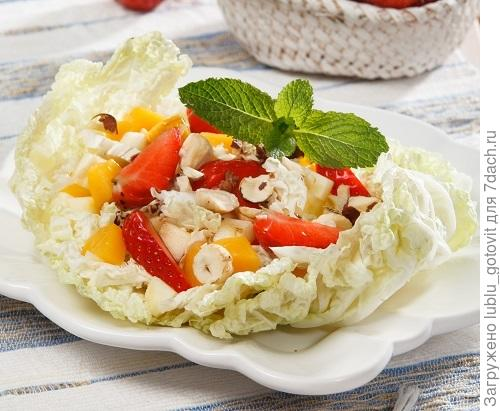 Фруктовый салат с персиком/Фото: Валентина Билунова/BurdaMedia