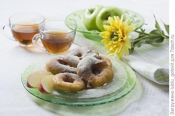 Пончики с яблоками/Фото: Дмитрий Байрак/ BurdaMedia
