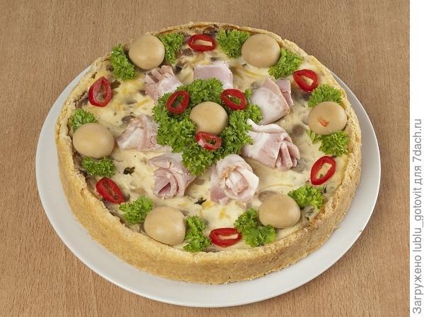 Пирог с грибами и беконом/Фото: А. Соколов/BurdaMedia