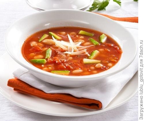 Овощной суп с белой фасолью/Фото: Олег Кулагин/BurdaMedia