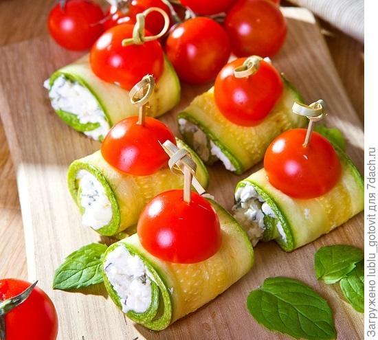 Рулетики из кабачков с творожным сыром/Фото: К. Виноградов/BurdaMedia