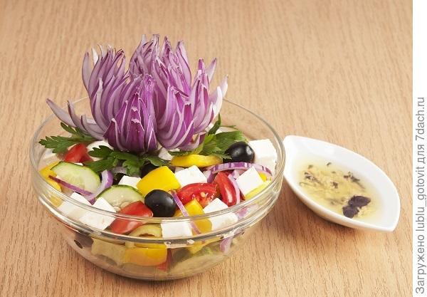Греческий салат с брынзой/Фото: А. Соколов/BurdaMedia