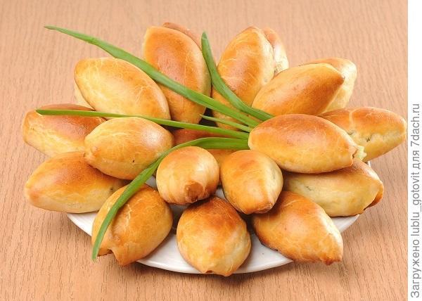 Пирожки с яйцами и зеленым луком/Фото: А. Соколов/BurdaMedia