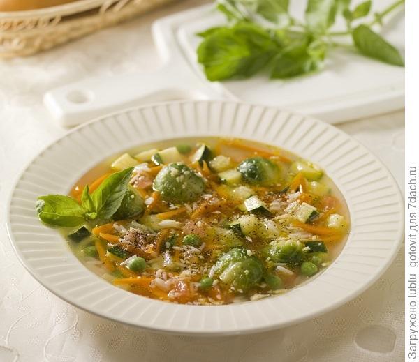 Суп с рисом и брюссельской капустой/Фото: Дмитрий Байрак/ BurdaMedia