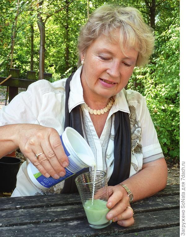 Урсель Бюринг, руководитель школы лекарственных растений в немецком городе Фрайбурге, составила на основе целебных трав лечебную программу, рассчитанную на несколько недель.