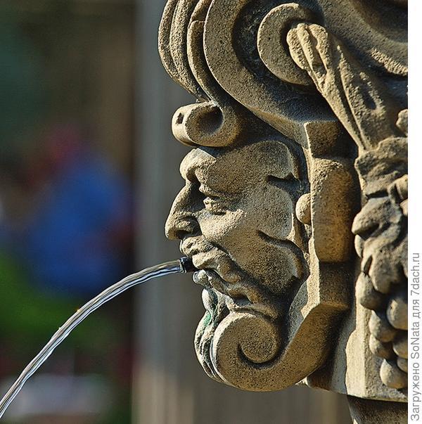 Водная стихия, обитающая в настенном фонтане, зарядит энергией и подарит массу приятных эмоций.