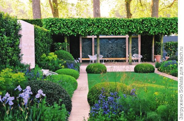 Тип газонного покрытия обычно выбирают исходя из стилевого решения дизайна участка
