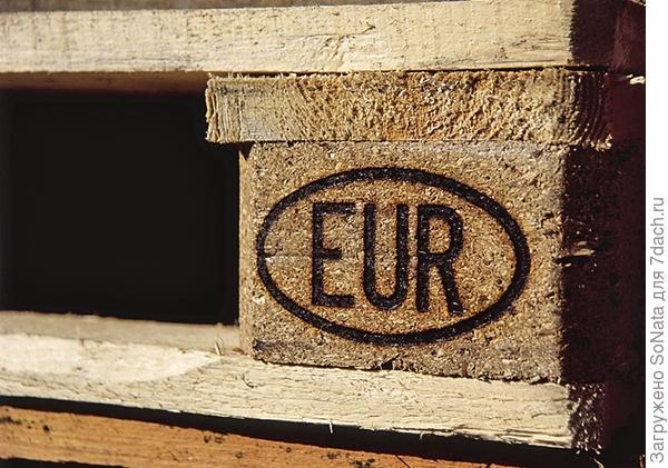 Стандартные европоддоны отмечены клеймом EUR в овале.
