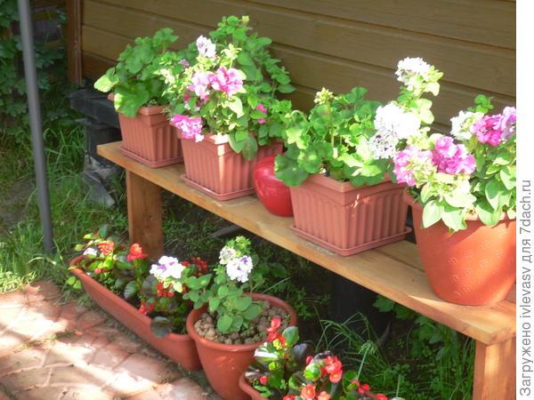 Скамейка для цветов