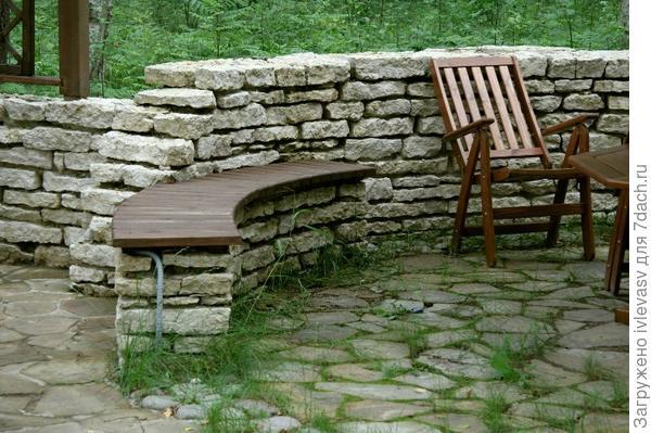 Камни в зоне отдыха http://dendrosad.ru/img/products/636-800-image4.jpg