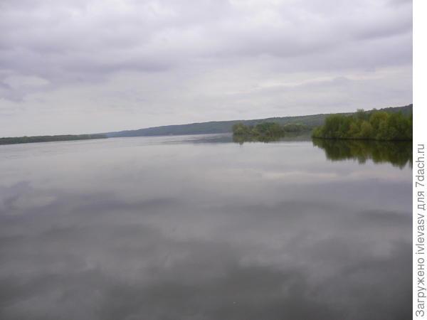 В реку смотрятся облака... Волга