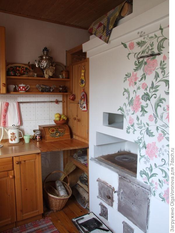 Моя кухня - стена с печкой