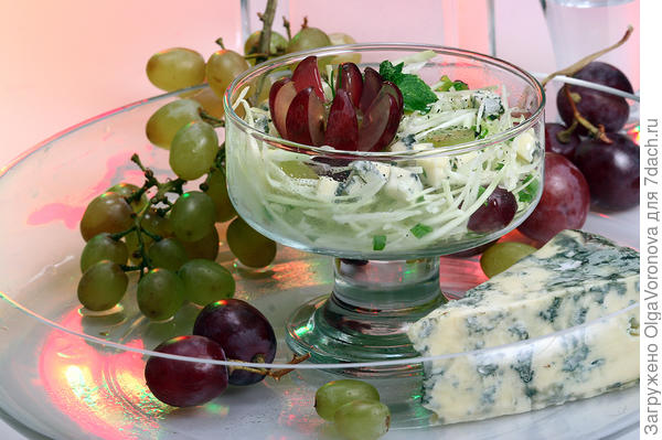 Если блюдо красиво само по себе, можно использовать и стеклянную посуду