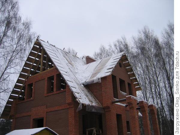 Сооружение дома с мансардой