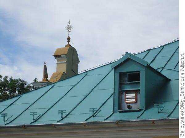 Под внешним видом крышного аксессуара спрятан молниеприемник