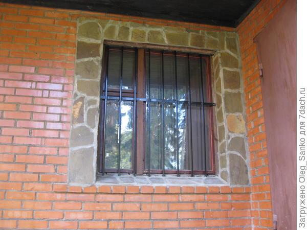 Обидная ошибка проектировщика - при открытии двери закрывается обзор из окна