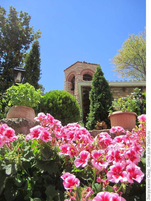 Снимок сделан в Метеорах, втором по значению (после Афона) православном комплексе Греции