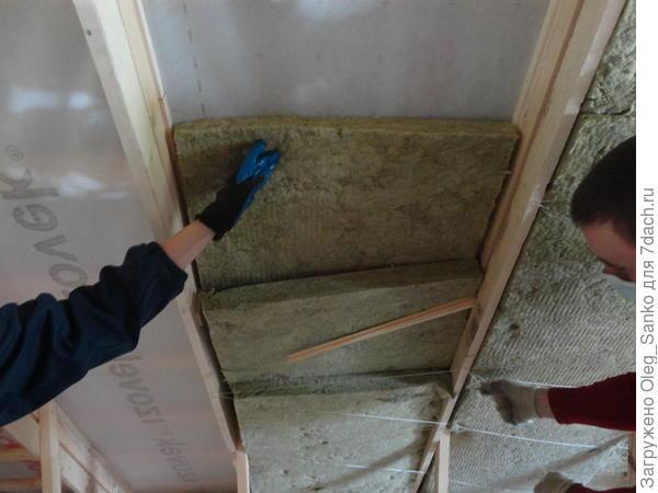 Шнуровка для удержания плит в подвешенном состоянии