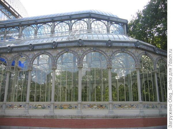 Зимний сад в мадридском парке Ретиро