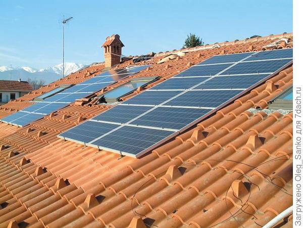 Все чаще черепица отдает долю крыши для установки солнечных панелей. Batimat-2007.