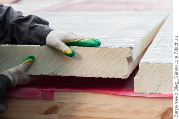 Ступенчатая стыковка двух соседних плит