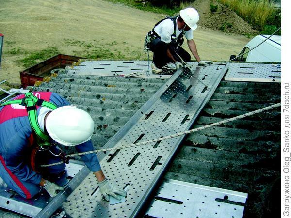 Ваш случай - ремонт шиферной крыши