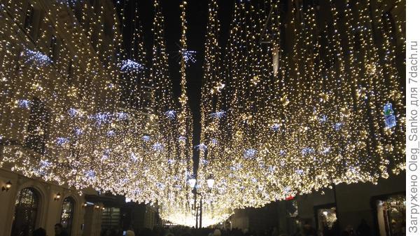 На улице Никольской задействовано более 1000 000 источников света