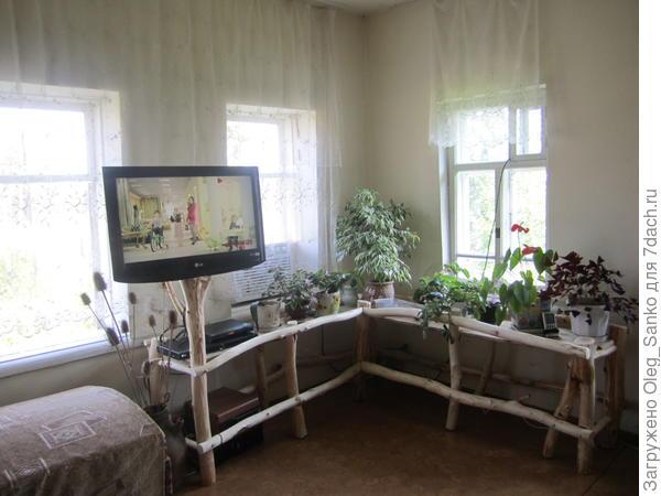 Автор мебели - Михаил Махов