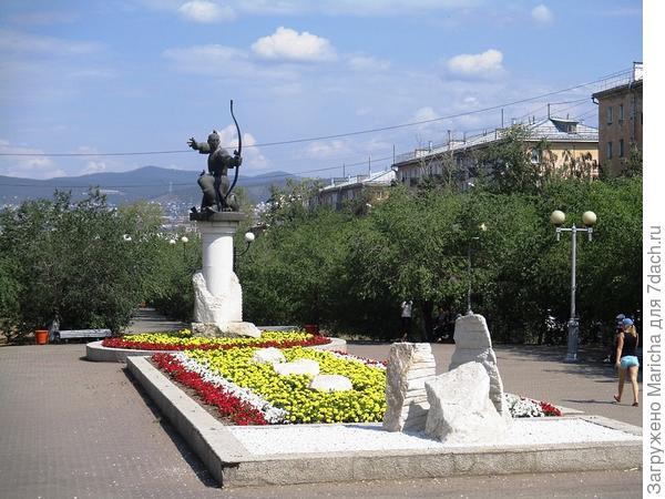 Памятник лучнику Мэргэну