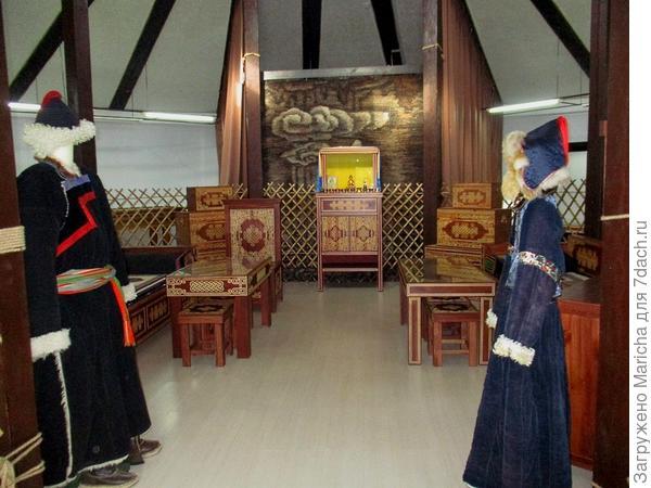 Выставочный зал в юрте-музее