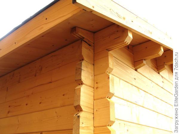 Угол дома и крыши, произведенных в EliteGarden