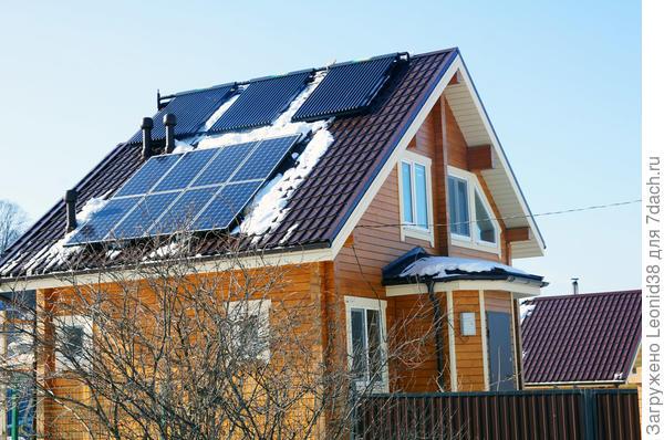 Загородный дом в Находке, система солнечного отопления 5 кВт, солнечного электричества 3 кВт