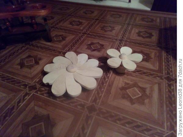 еще один цветок, на детскую площадку