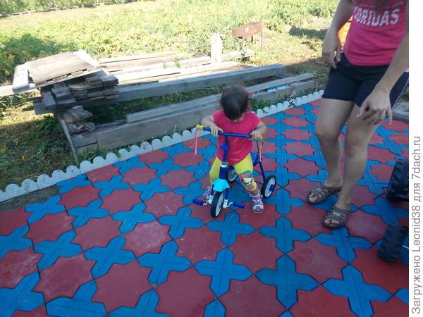 детская площадка у меня