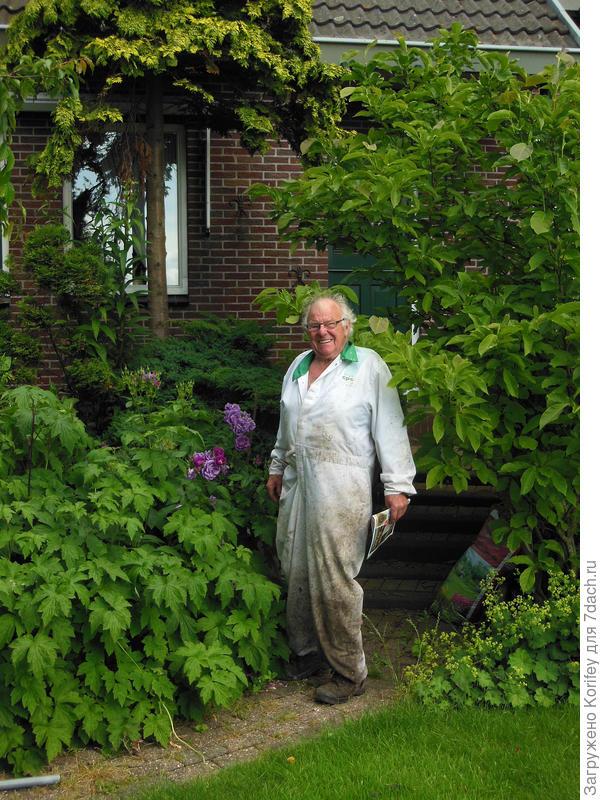 Фотография знакомого голландского пенсионера, который с такой любовью ухаживает за своим не самым простым садом -:)