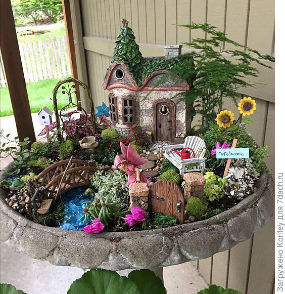 Миниатюрный садик, есть где развернуться фантазии ребенка