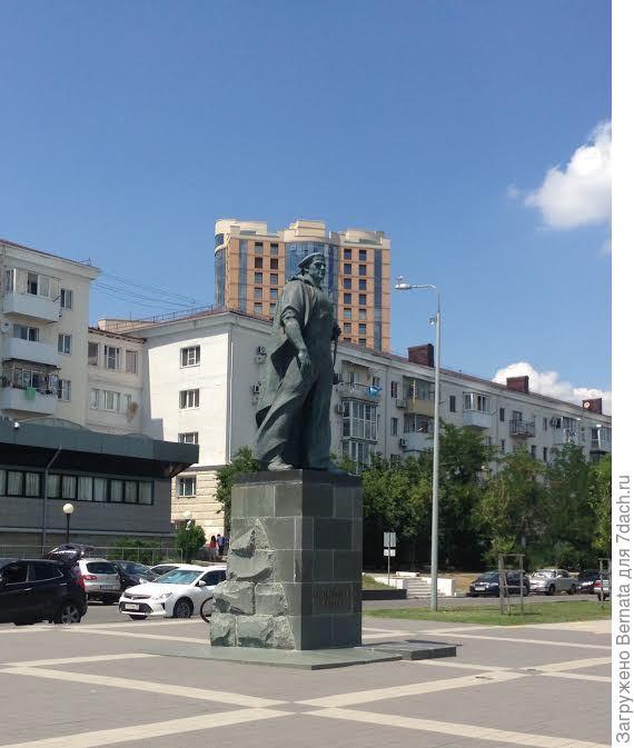 памятник неизвестному матросу