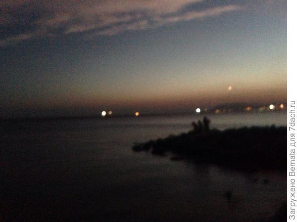 Вид на ночной Новороссийск