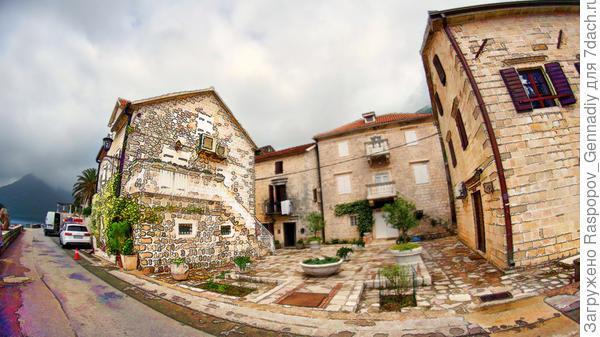 Старинные дворики