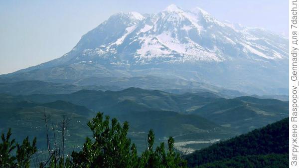 Албания, Горный Томори