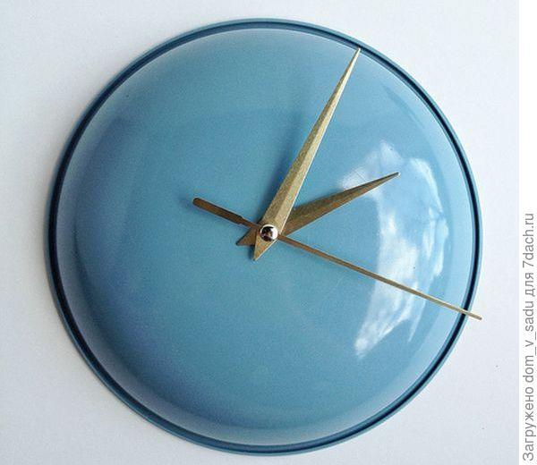 Часы из крышек