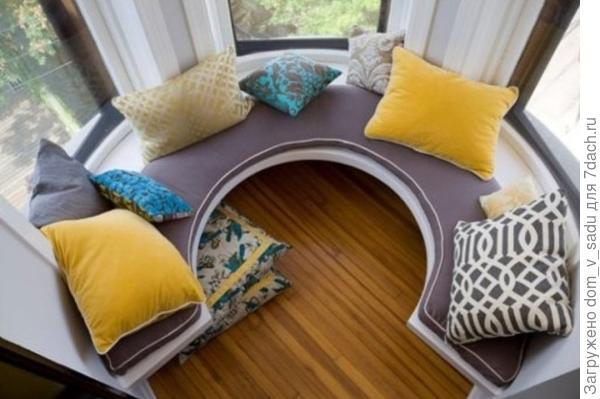 Круговой диванчик