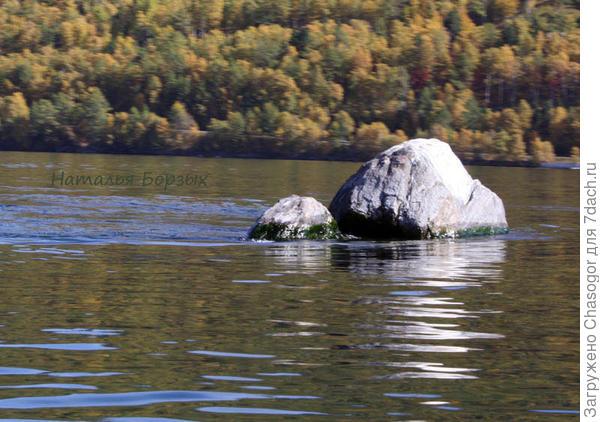 камень Шаман в истоке Ангары