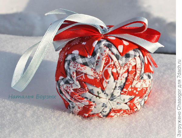 шарик на снегу