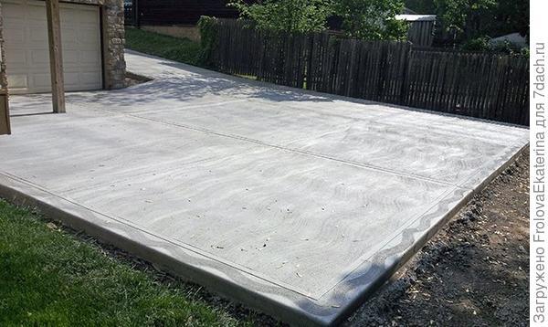 Стоянка из бетона. Фото с сайта udachnika.ru