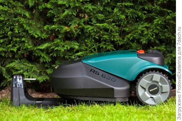 Робот-газонокосилка фирмы Robomow. Фото с сайта digitaltrends.com